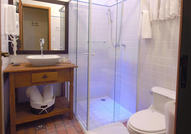Klarit: Vidros Esquadrias de Alumínio Guarda Corpos Box Espelhos  #083CC3 1500x1055 Banheiro Container Sp